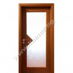 Интериорна врата модел С109 със стъкло - орех структура