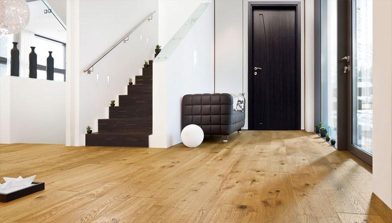 Външни врати, дървени и блондирани външни врати с високо качество